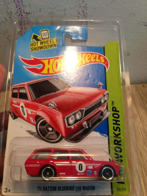 Hot Wheels 71 Datsun Bluebird 510 Wagon Merah