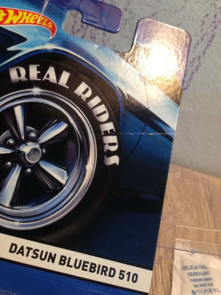 Hot Wheels Langka Datsun Bluebird 510 Real Riders tampak garis