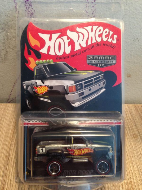 Hot Wheels Langka Toyota Pickup Zamac Edition protector