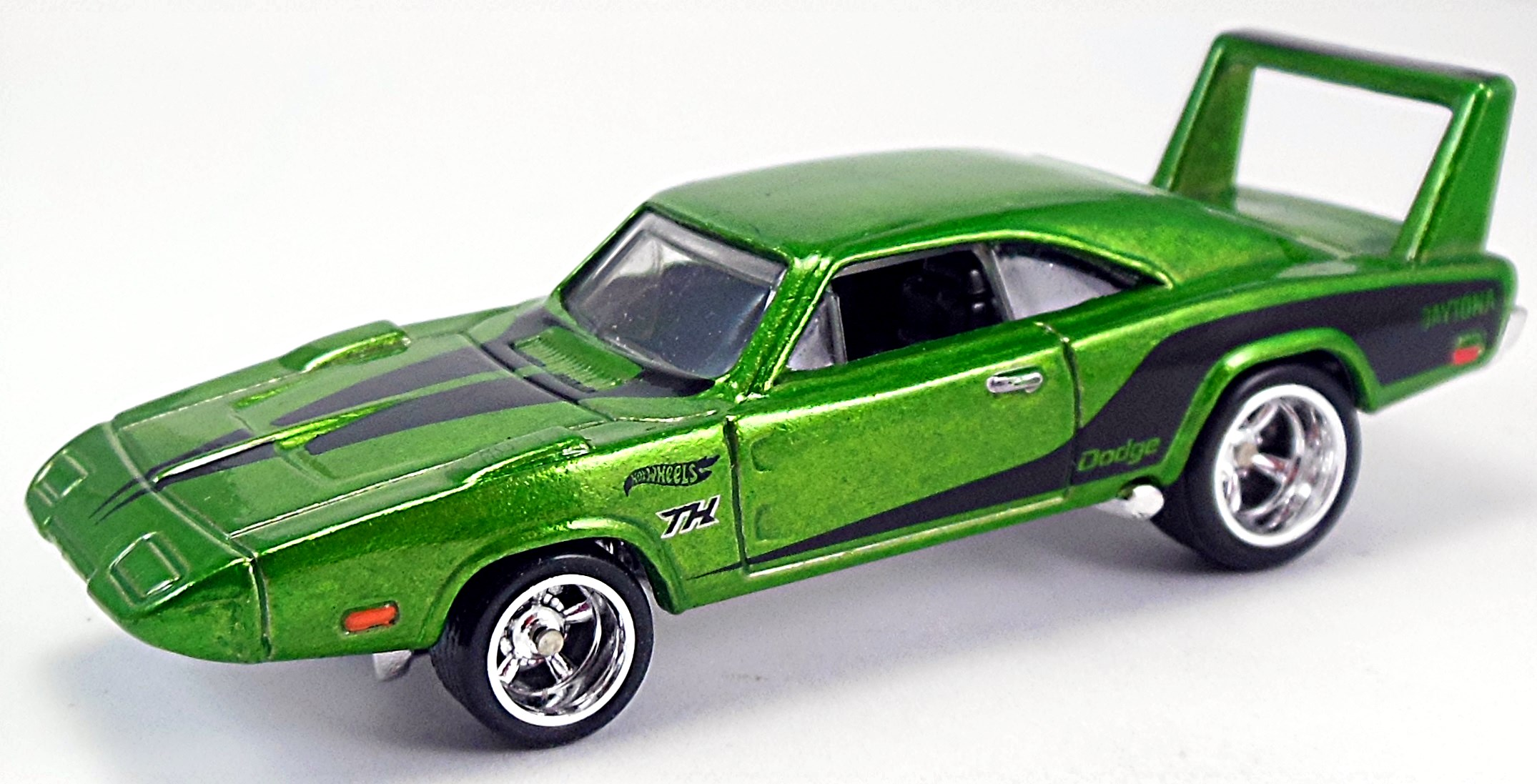 Hot Wheels langka treasure hunt 69 Dodge Charger Daytona Super TH